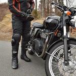 Maximális felkészültség: motoros nadrág